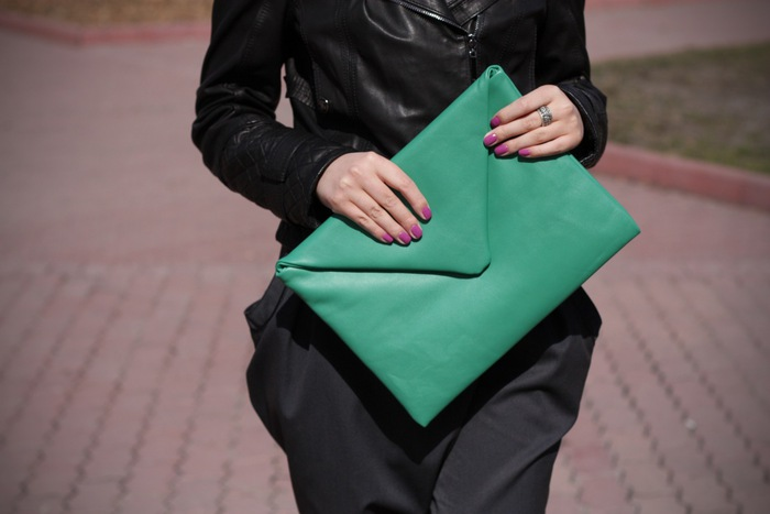 Как сделать модный клатч за 10 минут. Видеоинструкция. город в северной европе центр международной