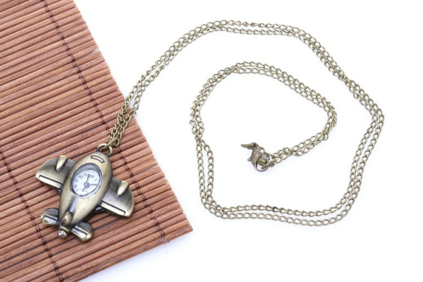 Модные часы-кулон