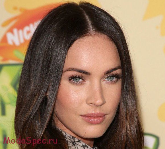 LOS ANGELES, CA - MARCH 28: Actress Megan Fox arrives at Nickelodeon's 2009 Kids' Choice Awards at UCLA's Pauley Pavilion on March 28, 2009 in Westwood, California. (Photo by Jason Merritt/Getty Images) *** Local Caption *** Megan Fox