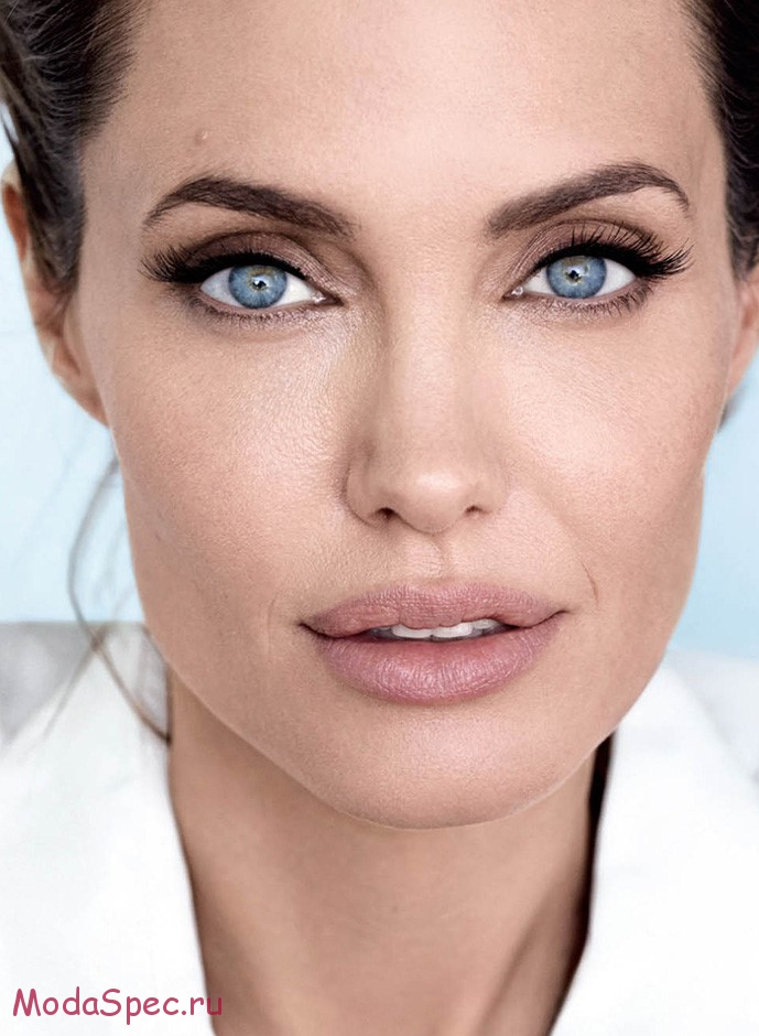 Angelina Jolie on the December issue of Vanity Fair. The cover must run with the image and the photo credit should read Mario Testino exclusively for Vanity Fair.