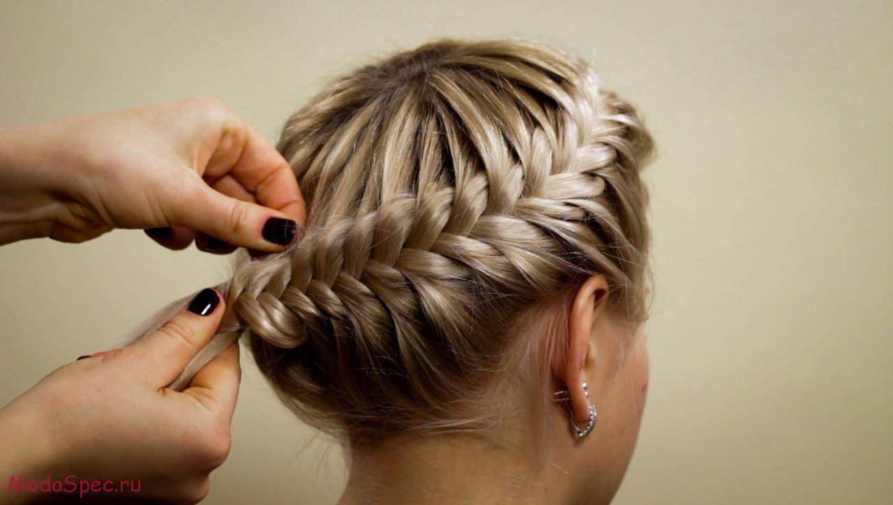 прически на средние волосы колосок видео